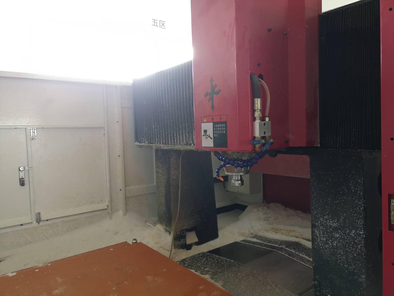 机器设备-CNC机床内景2